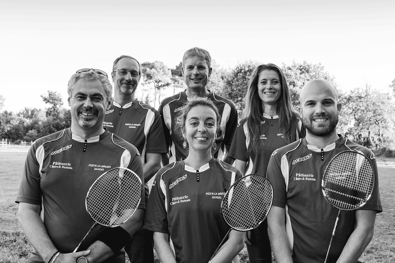 les membres du bureau de l'association de badminton à Guidel